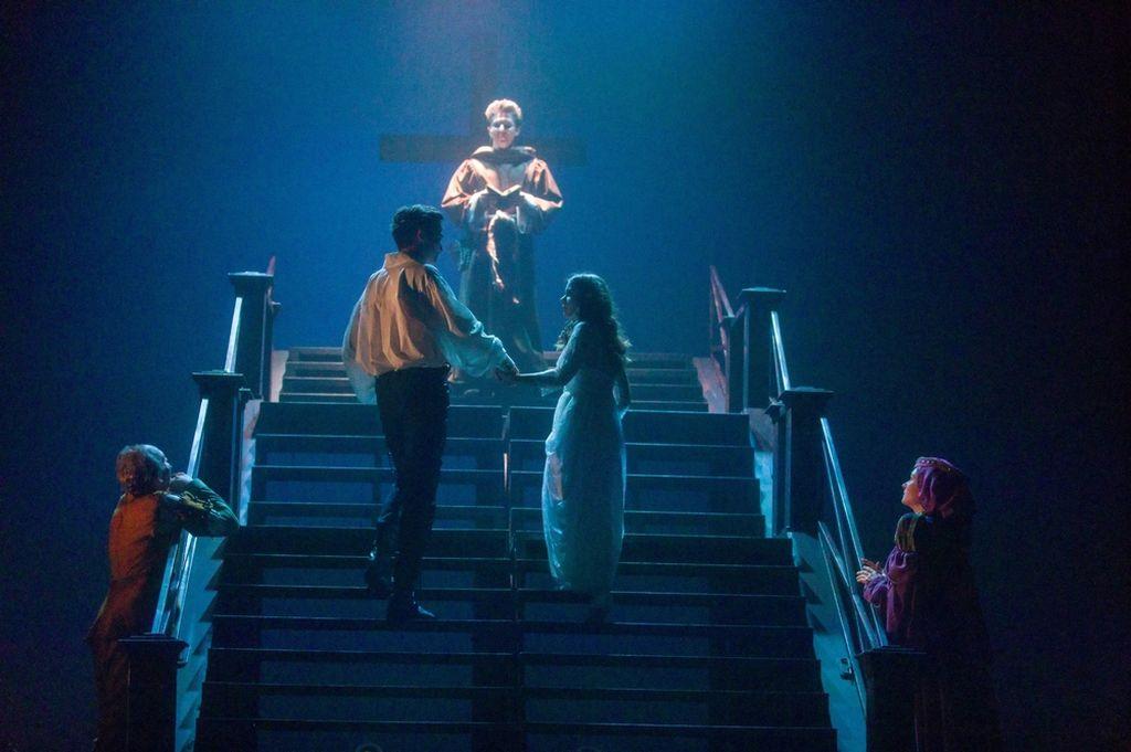 Ромео и Джульетта 00004